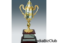 Metal Trophies Golden Football Cup Tower With Hexagon Cuttings