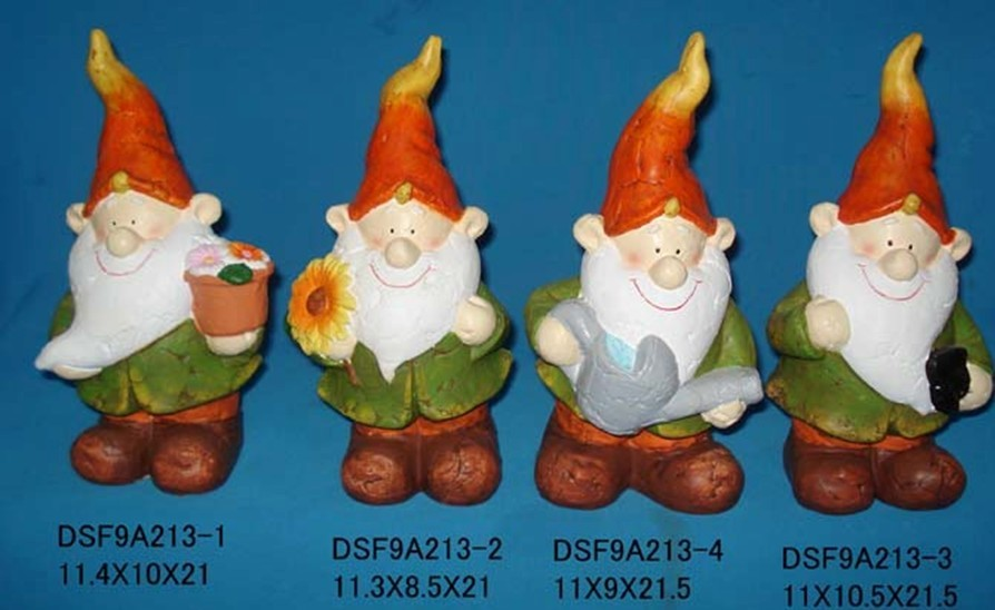 Cute Ceramic Dwarfs For Your Christmas Gifts