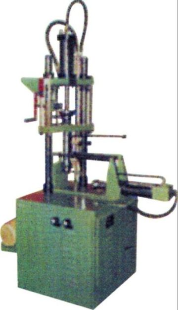 Compact Injection amchine for Hand Moulds