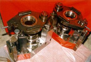 Hydraulic fixture for boring